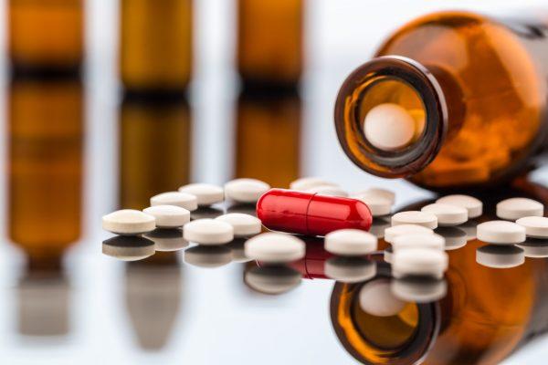 Выпил таблетку – лишился прав: список запрещенных лекарств