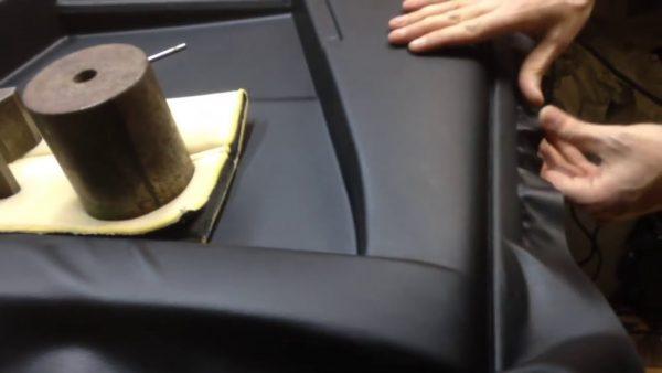 Простая и понятная инструкция по перетяжке дверных карт своими руками