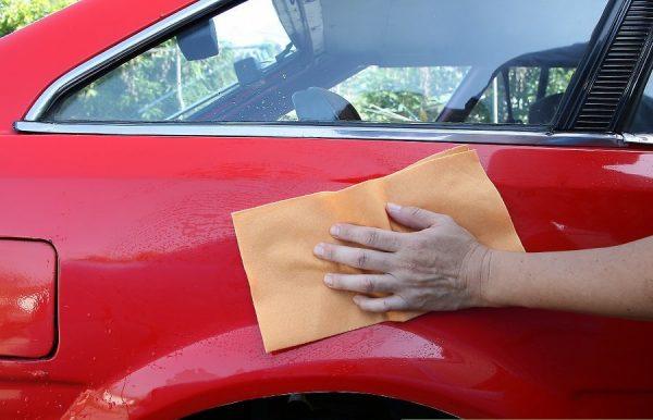 Как убрать мелкие царапины на машине: от WD-40 до зубной пасты