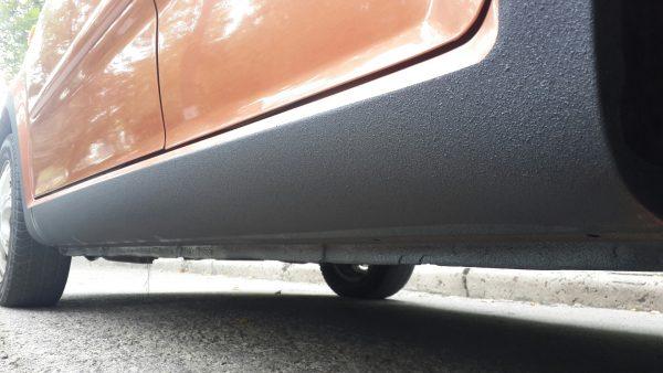 Антигравий для авто: как краска защищает пороги и днище