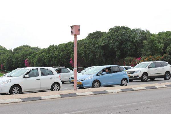 Негласные правила движения, которым учат прямо на дороге