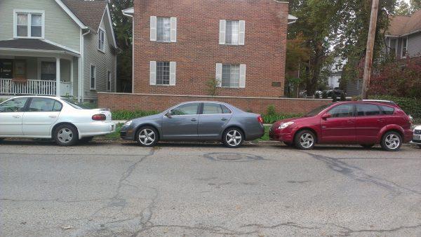 Лайфхаки и инструкция для новичков: паркуемся задним ходом