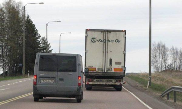 Фатальные ошибки водителей при обгоне фур