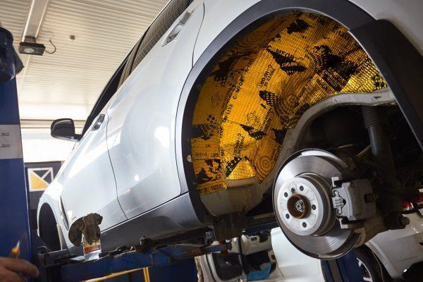 Какие материалы требуются для качественной шумоизоляции авто: этапы работ
