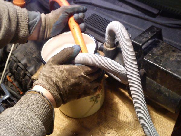 Перечень средств и описание процесса, как промыть радиатор печки авто, не снимая его