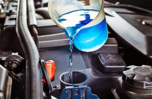 Последствия и правила смешивания тосола с антифризом в машине
