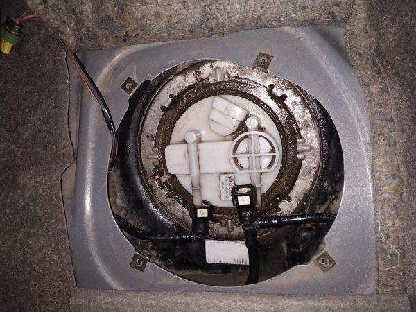 Как самому заменить топливный фильтр на Ладе Калине