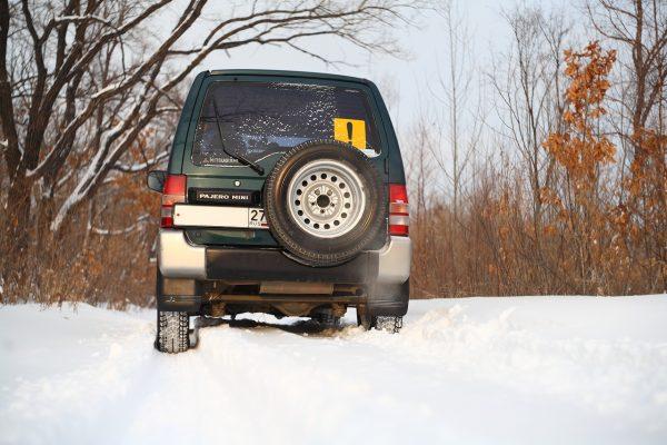 Зимняя резина – широкая или узкая: что лучше зимой и на какой дороге