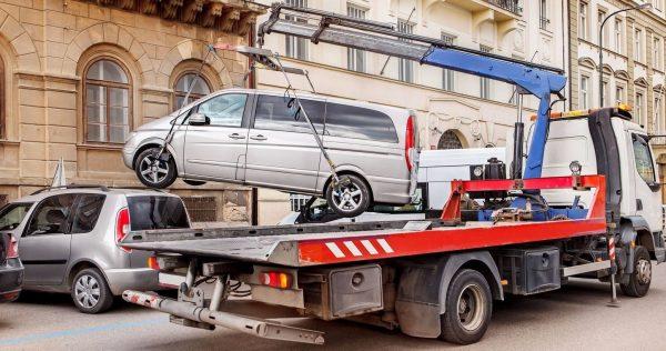Сумма и основания для штрафа за стоянку коммерческого транспорта во дворах
