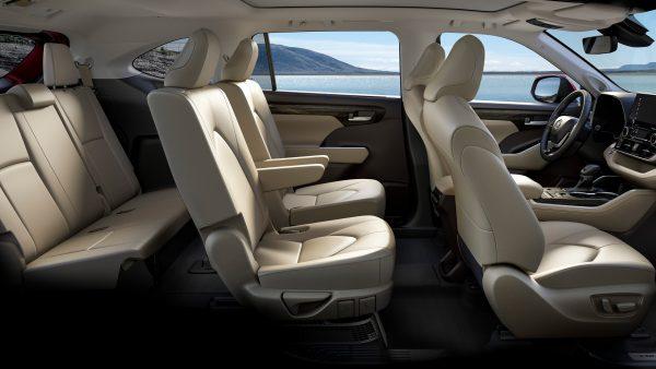 3 причины, почему умный водитель не купит Toyota Highlander