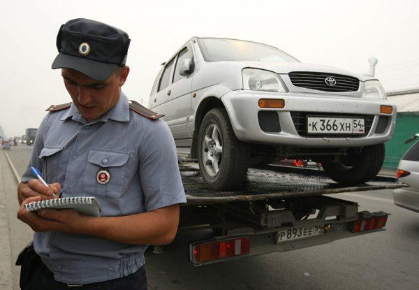 Когда ГИБДД сможет лишать водительских прав без суда: суть инициативы