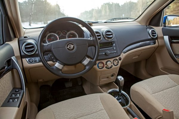 Рейтинг недорогих машин с автоматом: новые и с пробегом