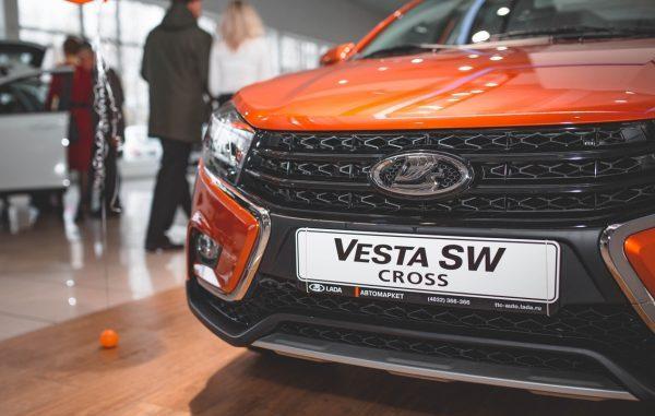 Новая Лада Веста СВ Кросс после рестайлинга: обзор и минусы модели 2020 года