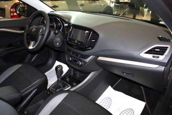 Обзор Лада Веста седан 2020 в новом кузове: чем недовольны водители