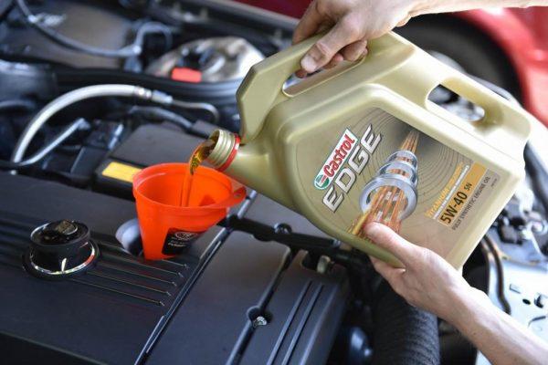 Когда производится первая замена масла на новом авто и каким должен быть интервал
