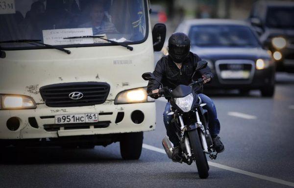 Три запрета, о которых мотоциклисты забывают